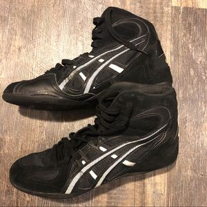Asics Shoes - Men's ASICS 11.5 flexible performance high tops